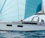 Segelyacht Oceanis 381 chartern in Furnari