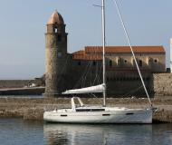Yacht Oceanis 41 available for charter in Propriano Marina