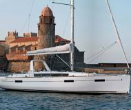 Sailing yacht Oceanis 41 for hire in La Spezia