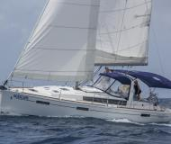 Yacht Oceanis 41 for rent in Joma Marina