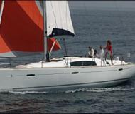Sailing boat Oceanis 423 available for charter in Borgo Marina