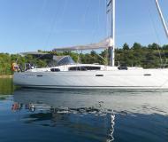 Yacht Oceanis 43 chartern in Santa Teresa Gallura