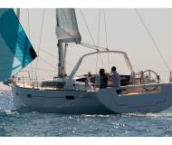 Sailing yacht Oceanis 45 for hire in Port Lotti