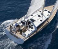 Sailing yacht Oceanis 48 for hire in Trapani Yacht Harbour