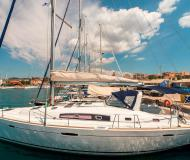 Sail boat Oceanis 50 Family for rent in Port Lavrio