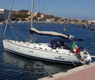 Sailing yacht Oceanis 523 for rent in Borgo Marina