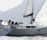 Sailing yacht Sun Odyssey 32i for rent in Gros Islet