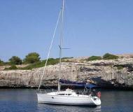 Yacht Sun Odyssey 32i for charter in Santo Stefano al Mare