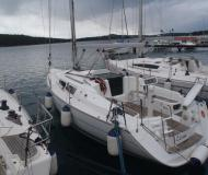 Yacht Sun Odyssey 32i for rent in YC Marina