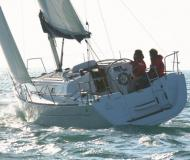Sailing yacht Sun Odyssey 33i for charter in Hyeres Harbour