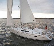 Sailing yacht Sun Odyssey 39i for rent in Nettuno
