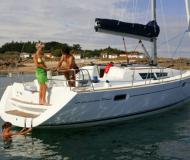Yacht Sun Odyssey 39i chartern in Marina San Antonio