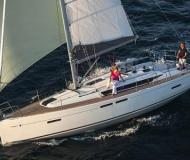 Sailing boat Sun Odyssey 419 for rent in Hyeres Harbour