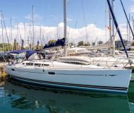 Sailing yacht Sun Odyssey 42i available for charter in Alimos Marina Kalamaki