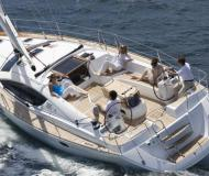 Yacht Sun Odyssey 43 available for charter in Marina di Scarlino