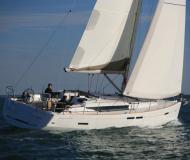 Yacht Sun Odyssey 43 for charter in Marina di San Vincenzo