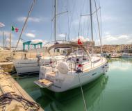 Segelboot Sun Odyssey 43 chartern in San Vincenzo