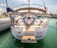 Sailing boat Sun Odyssey 439 for rent in Marina di San Vincenzo