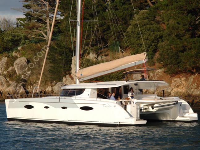 Katamaran Salina 48 in Marine Betina chartern