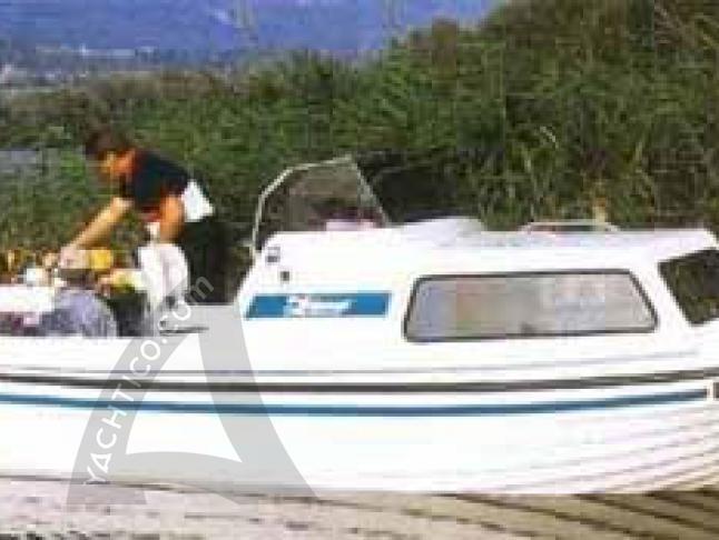Swiss Pilotina 680 Motorboot Charter Deutschland