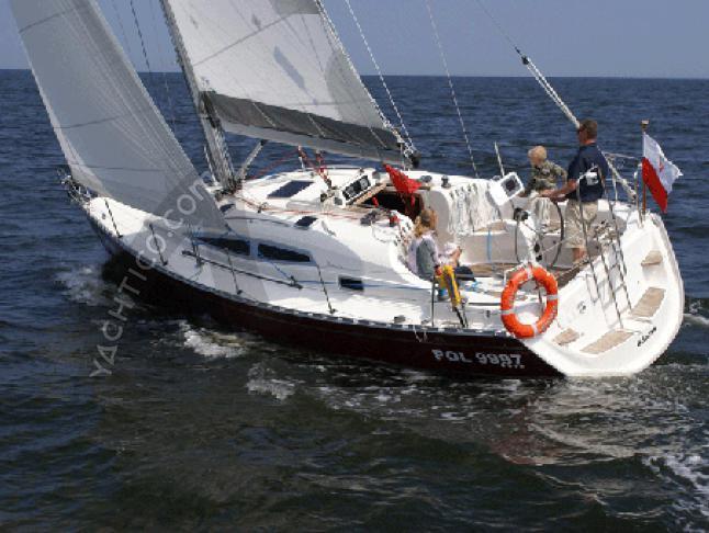 Delphia 33.3 Segelyacht Charter Palma