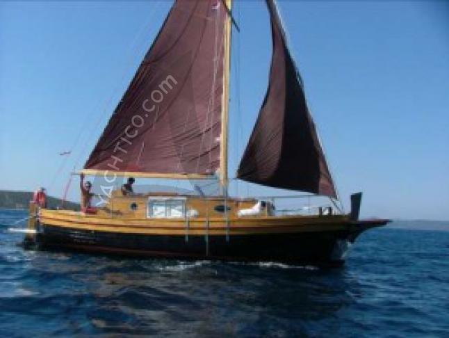Yacht mit 3 Kabinen in Marina Vitrenjak