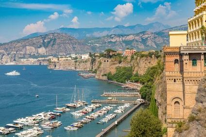 Yachtcharter Sorrento - Segeln entlang der Amalfiküste - Italien | YACHTICO.com